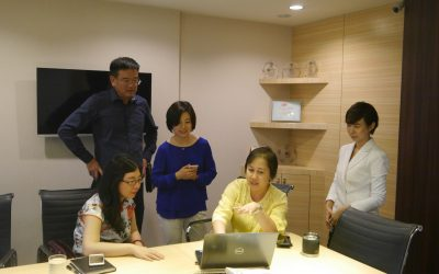Executives of Xinhua News Agency visited InfoQuest