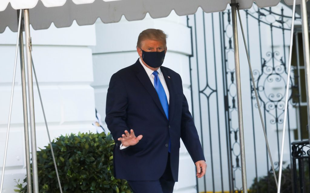 Trump has hospitalized for COVID. Confirmed, still fine 2020-10-02T222141Z_395058272_RC2MAJ9HI8PX_RTRMADP_3_HEALTH-CORONAVIRUS-USA-TRUMP-1024x639
